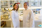 Heloisa Bordallo and Ana Benetti in the lab
